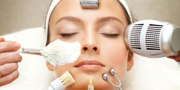 عادت های روزانه ای که پوست صورت شما را خراب می کند
